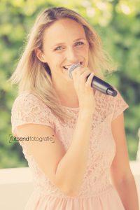 Ceremonie zangeres Marieke van Asch