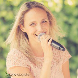 Marieke van Asch Ceremonie zangeres